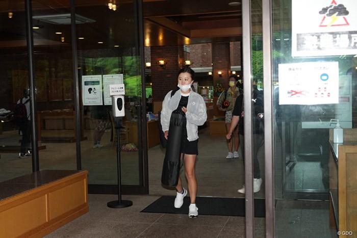 豪雨のため競技が中止となり帰路につく 2021年 中京テレビ・ブリヂストンレディスオープン 初日 森田遥