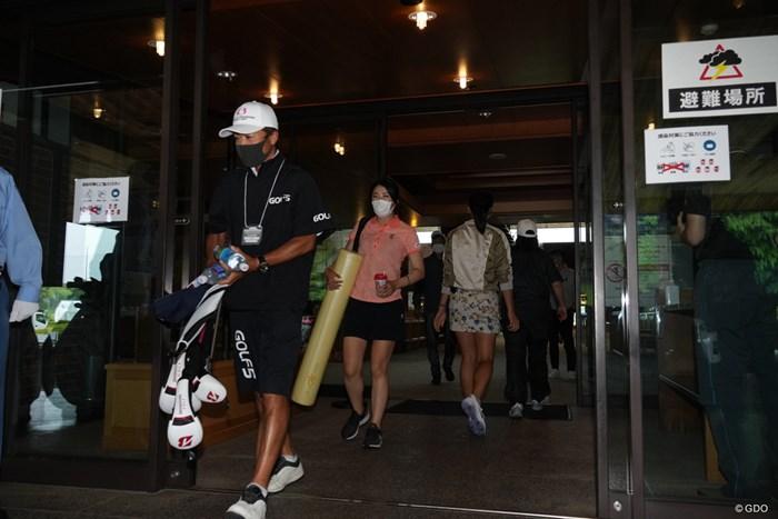 豪雨のため競技が中止となり帰路につく 2021年 中京テレビ・ブリヂストンレディスオープン 初日 堀琴音