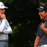 サービス精神旺盛。普段のスコアを尋ねると「108とか。ぼんのうの数たたいてます」と笑いを誘った 2021年 ゴルフパートナー PRO-AMトーナメント 2日目 市村正親 藤田寛之
