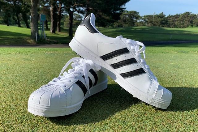 アディダスの名作シューズをゴルフ場で履いてみた アディダス「オリジナルスSS ゴルフ」