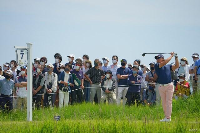 2021年 ~全英への道~ミズノオープン 3日目 石川遼 今日も多くのギャラリーを引き連れてのプレーに。