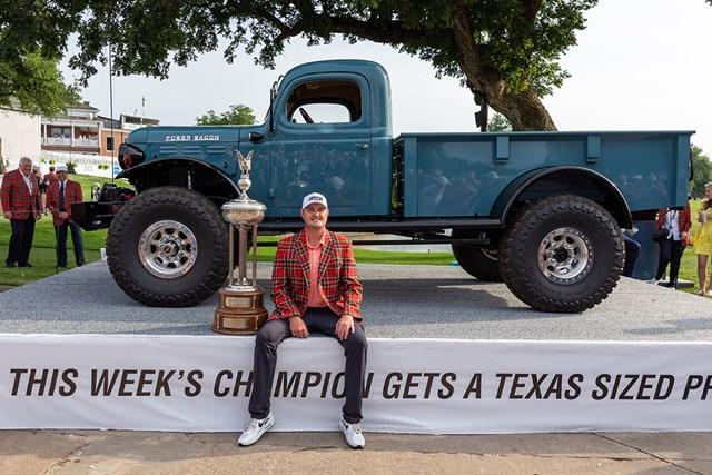 2021年 チャールズ・シュワブチャレンジ 4日目 ジェイソン・コクラック ジェイソン・コクラックが今季2勝目を挙げた。このトラックもらうんだろうか… (Andrew Dieb/Icon Sportswire via Getty Images)