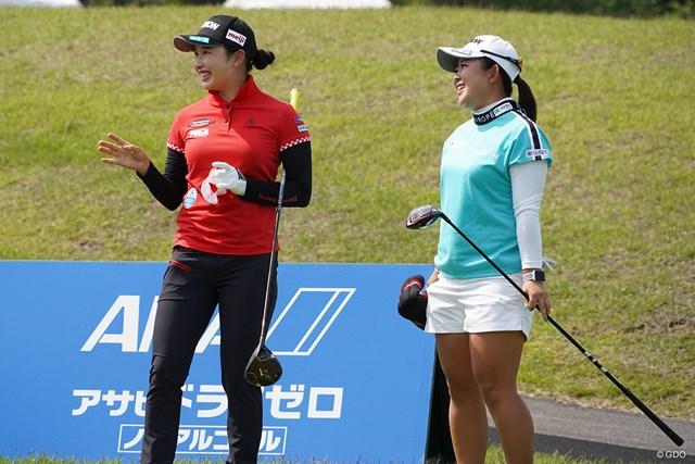 2021年 ヨネックスレディスゴルフトーナメント 事前 小祝さくら 小祝さくら(左)は浅井咲希と練習ラウンド