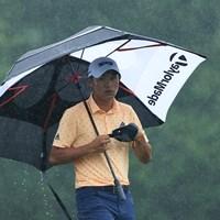 初日は悪天候で2度の中断から順延に。「66」でホールアウトしたコリン・モリカワが暫定首位(Sam Greenwood/Getty Images) 2021年 ザ・メモリアルトーナメント 初日 コリン・モリカワ