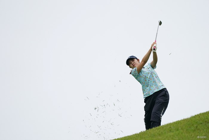 傾斜からの打ち方はこうですよ 2021年 ヨネックスレディスゴルフトーナメント 初日 古江彩佳