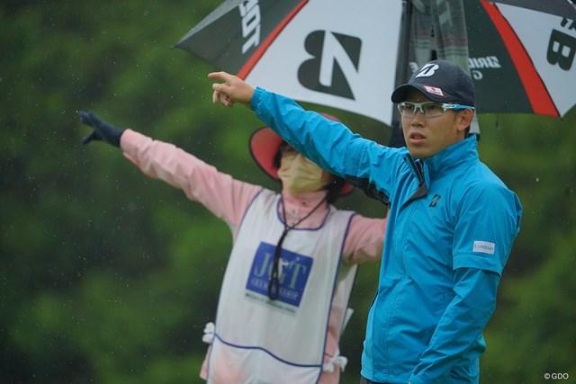 2021年 日本ツアー選手権 森ビル杯 Shishido Hills 2日目 坂本雄介 キャディさん、一緒にサタデーナイトフィーバーしようよ。