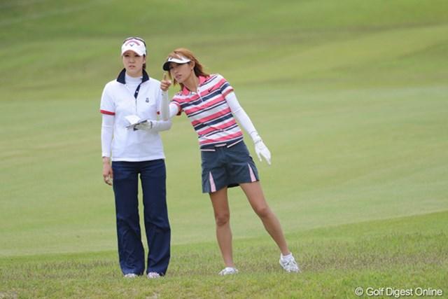 2010年 中京テレビ・ブリヂストンレディスオープン 2日目 金田久美子 「ほら、あそこに格好良いカメラマンがいる!」 by キンクミ。ウソです。すんません