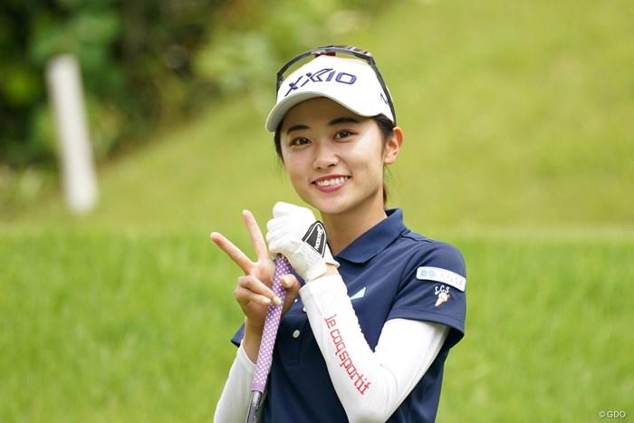カメラにピースサイン 2021年 ヨネックスレディスゴルフトーナメント 最終日 安田祐香