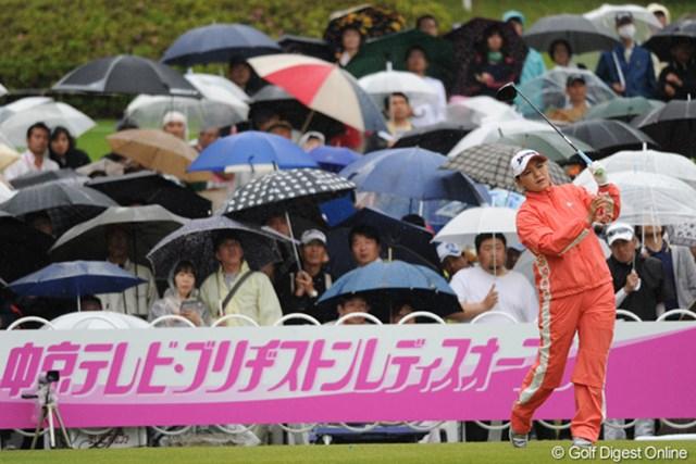 2010年 中京テレビ・ブリヂストンレディスオープン 最終日 横峯さくら 2週連続優勝は叶わなかった横峯さくら。仕切り直して次週の「ヨネックスレディス」に臨む