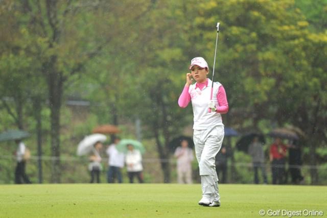 2010年 中京テレビ・ブリヂストンレディスオープン 最終日 有村智恵 チエゾーは途中まで4アンダーとスコアを伸ばすも、後半に失速して6位