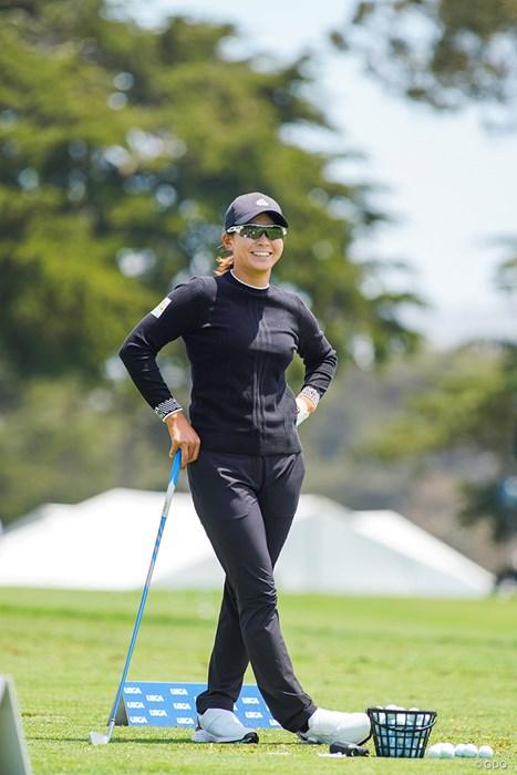 隣で練習している勝みなみと歓談 2021年 全米女子オープン 3日目 渋野日向子