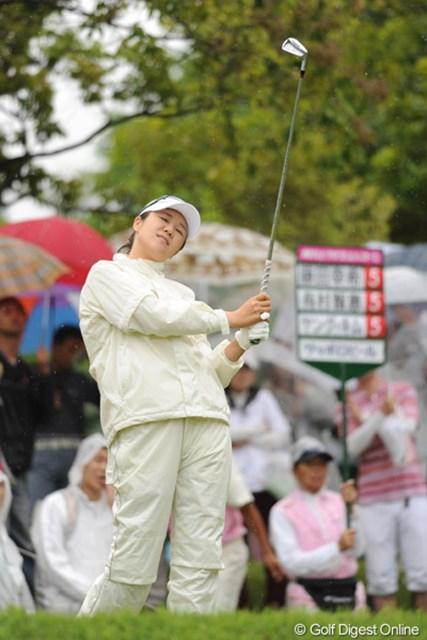 2010年 中京テレビ・ブリヂストンレディスオープン 最終日 ヤング・キム ヤングは中盤の快走で4位T。トレードマークのハットよりもキャプの方が「似合っているんやおまへんか?」という意見が多数アリ
