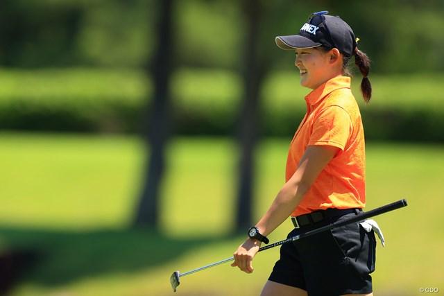 2021年 宮里藍サントリーレディスオープンゴルフトーナメント 初日 岩井千怜 笑顔があどけない妹の千怜(ちさと)