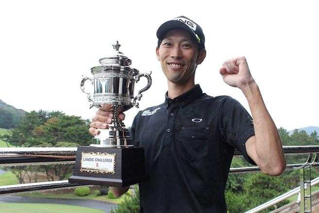34歳の安本大祐がプロ初優勝/男子下部