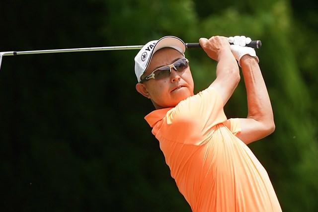 2021年 スターツシニアゴルフトーナメント 2日目 谷口徹 谷口徹が首位で最終日へ(提供:日本プロゴルフ協会)