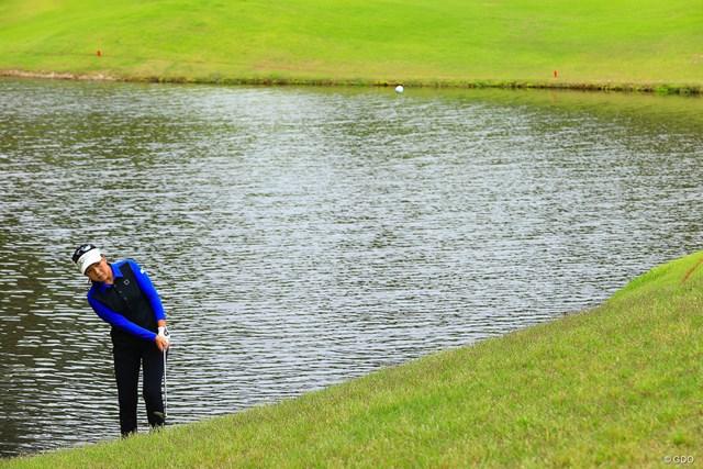 2021年 宮里藍サントリーレディスオープンゴルフトーナメント 3日目 青木瀬令奈 池ポチャでこの日唯一のボギーを叩いた3番。気持ちを切り替えてそのあとはバーディを量産した