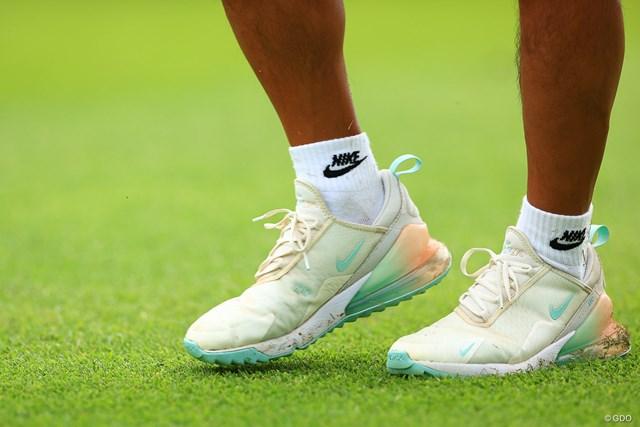 2021年 宮里藍サントリーレディスオープンゴルフトーナメント 3日目 NIKE オシャレな靴