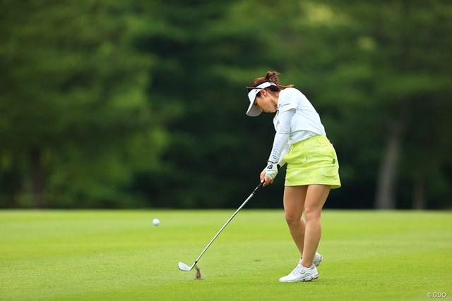 2021年 宮里藍サントリーレディスオープンゴルフトーナメント 3日目 西村優菜 2000年生まれの西村優菜。ツアー3勝目を狙う
