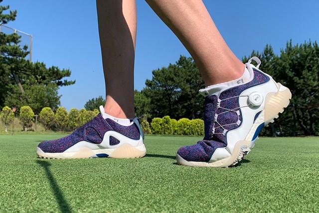 アディダス コードカオス21をゴルフ場で試し履き 屈曲性が高まった