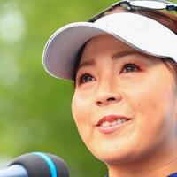 涙を流して歓喜した 2021年 宮里藍サントリーレディスオープンゴルフトーナメント  最終日 青木瀬令奈