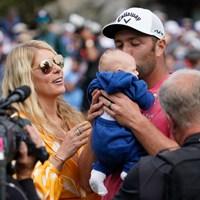 我が子を抱きしめる 2021年 全米オープン 最終日 ジョン・ラーム