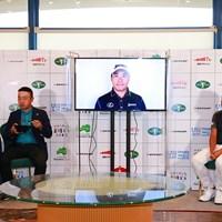 時松隆光(左)と内藤寛太郎が出席したオンライン前夜祭に松山英樹がビデオメッセージを寄せた(大会提供) 2021年 ダンロップ・スリクソン福島オープン  事前 時松隆光 内藤寛太郎