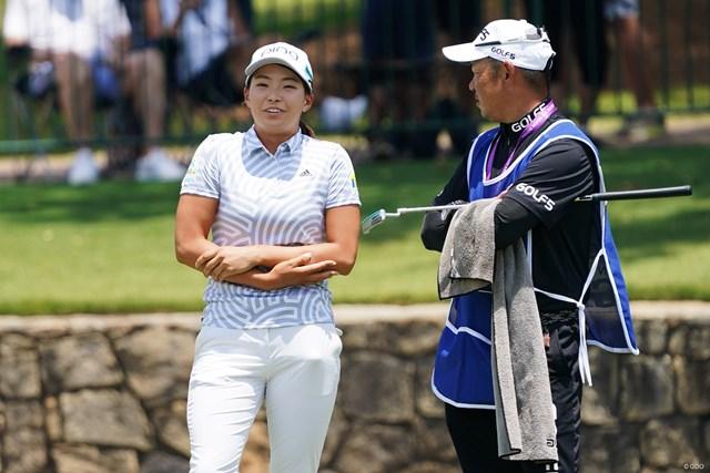 2021年 KPMG全米女子プロゴルフ選手権 2日目 渋野日向子 イーグルパットを決めた後に腕をさすっていたのは緊張していたからだそうです