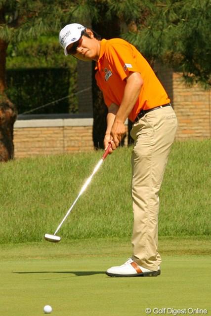 2010年 ダイヤモンドカップゴルフ 初日 金庚泰 いつも通りの手堅いプレーで7アンダー単独2位と好スタートを切った金庚泰