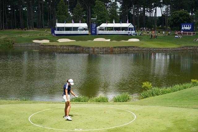 2021年 KPMG全米女子プロゴルフ選手権 3日目 渋野日向子 17番パー3でドロップ後のショット