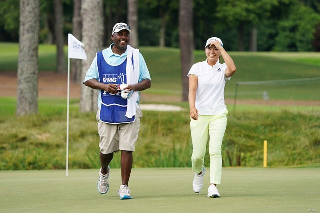 2021年 KPMG全米女子プロゴルフ選手権 4日目 渋野日向子 笑顔の急造コンビ