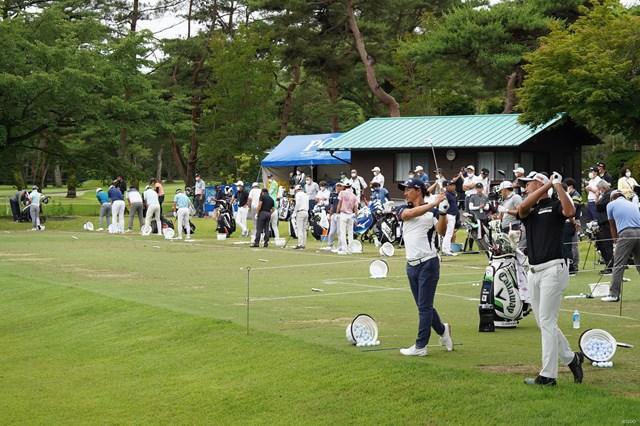 2021年 日本プロゴルフ選手権大会  事前 石川遼 星野陸也 石川遼と星野陸也は他選手と隔離されたエリアで練習