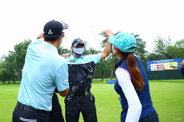 2021年 日本プロゴルフ選手権大会 最終日 キム・ソンヒョン ヨン様からの祝福