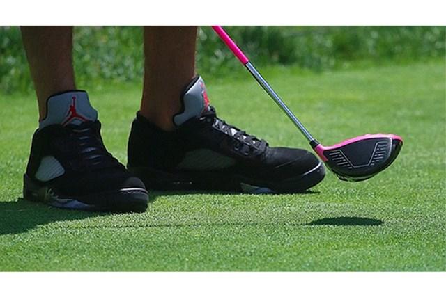 2021年 PGAツアーオリジナル バッバ・ワトソン バッバ・ワトソンのドライバーとシューズ(提供:GolfWRX、PGATOUR.COM)