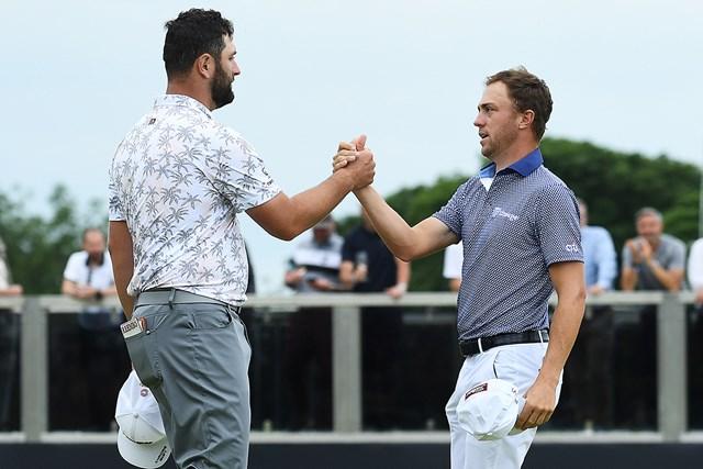 2021年 アバディーンスコットランドオープン 初日 ジョン・ラーム ジャスティン・トーマス 同組で回ったジャスティン・トーマス(右)とジョン・ラームがそろって好スタートを切った(Mark Runnacles/Getty Images)
