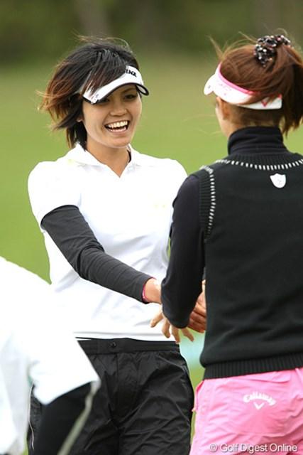 2010年 ヨネックスレディスゴルフトーナメント 初日 金井智子 スマイル撮り、いい顔してますね~