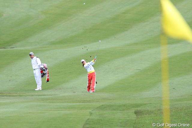 2010年 ヨネックスレディスゴルフトーナメント 初日 横峯さくら 3打差の3位タイ、優勝圏内です