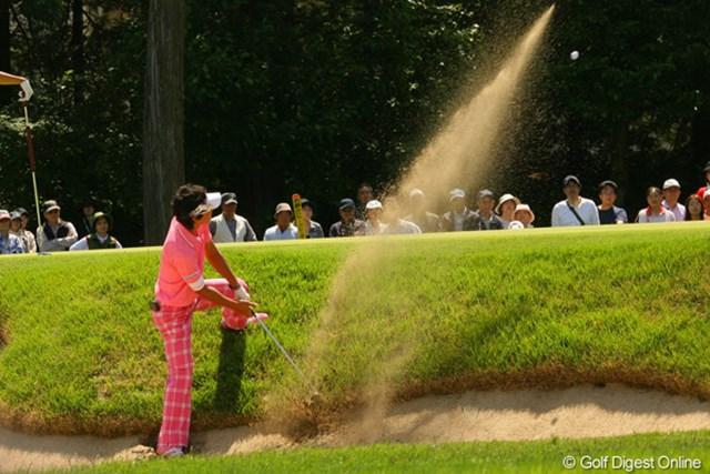 2010年 ダイヤモンドカップゴルフ 2日目 石川遼 4番で、このバンカーショットからパーセーブをした石川遼は、続く5番のイーグルにつなげた