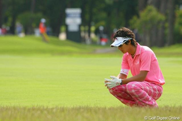 2010年 ダイヤモンドカップゴルフ 2日目 石川遼 この日は「なんとしても予選を突破したいので言うことを聞いてね」とボールと対話することの多かった石川遼