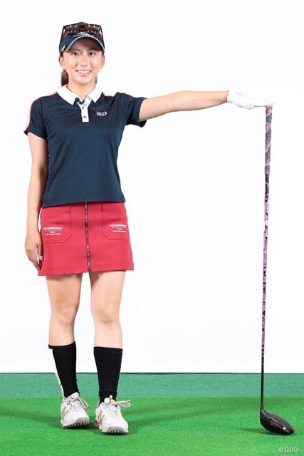 長尺ドライバーは長尺用のスイングで♪ 江口紗代 身長153cmの彼女の肩くらいまで長さのあるドライバー(シャフトはREVE)