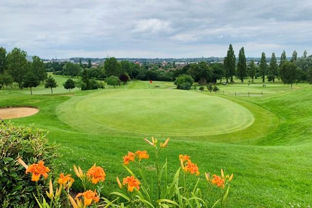 2021年 ガレス・ベイル カズーオープン 事前 英国のゴルフ場 ひとりでプレーしたロンドンのゴルフ場。古くても味がある!