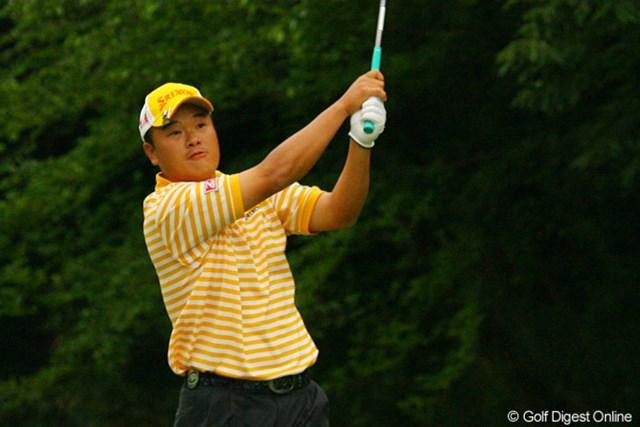 2010年 ダイヤモンドカップゴルフ 3日目 小田孔明 この日はドライバーショットが曲がりまくったという小田孔明