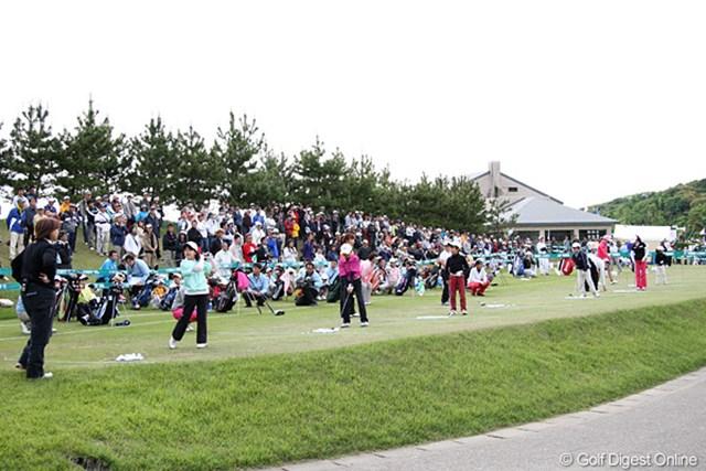2010年 ヨネックスレディスゴルフトーナメント 2日目 ジュニアレッスン会 女子プロによるジュニアレッスン会、大好評です
