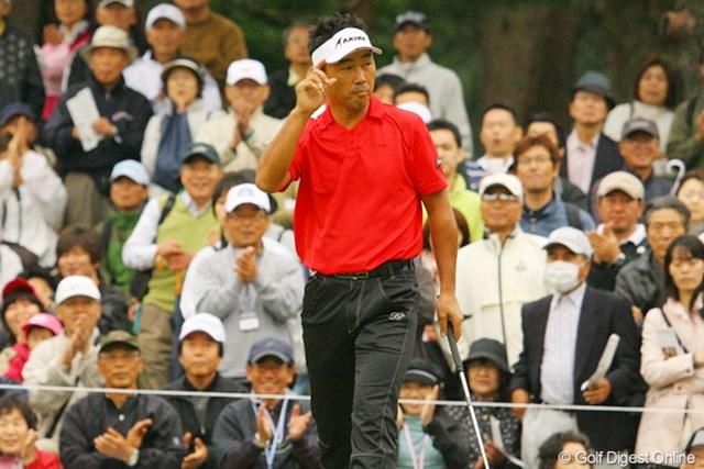 2010年 ダイヤモンドカップゴルフ 3日目 久保谷健一 上がり2ホールを連続バーディで締めた久保谷健一は7アンダー6位タイで最終日へ