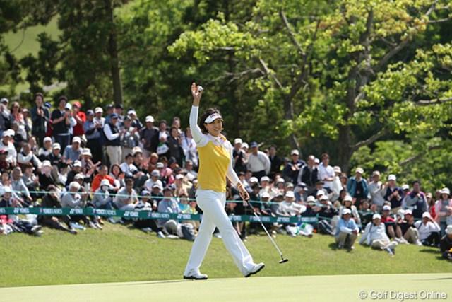 2010年 ヨネックスレディスゴルフトーナメント 最終日 全美貞 圧倒的な安定感で相手を寄せ付けなかった全美貞。2年連続の完勝です!