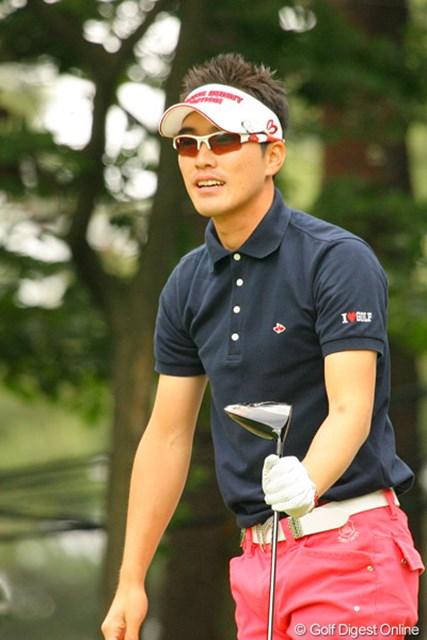 2010年 ダイヤモンドカップゴルフ 最終日 金亨成 静の金庚泰に対し、動の金亨成。一打一打に一喜一憂する
