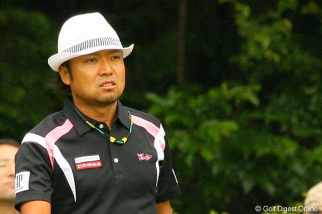 2010年 ダイヤモンドカップゴルフ 最終日 片山晋呉 「前半の3ボギーが痛かった」と振り返る片山晋呉。ミスショットに不満顔が目立った