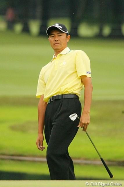 2010年 ダイヤモンドカップゴルフ 最終日 横尾要 最終18番であわやチップインバーディ。思わず仰け反る横尾要