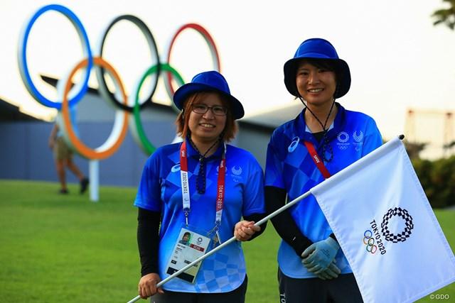 2021年 東京五輪 3日目 尾崎さん(左)と磯村さん(右) 3日目を終えて、あすの最終日に備える2人