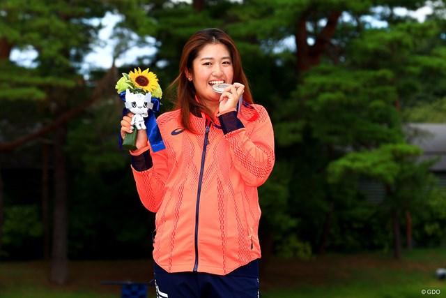 2021年 東京五輪 最終日 稲見萌寧 お決まりのポーズを見せてくれた稲見萌寧。おめでとうございます