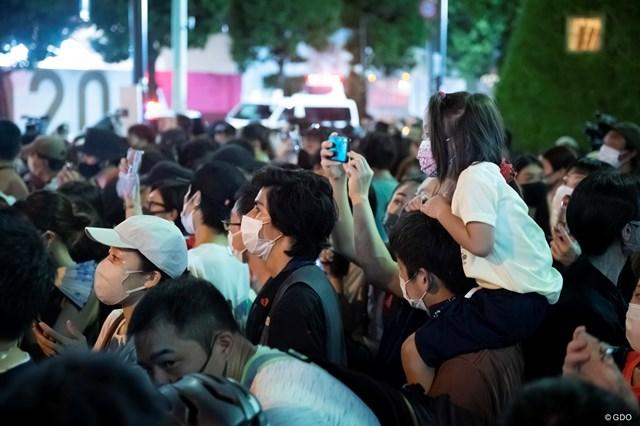 2021年 東京五輪 閉会式 この人々の熱気は無観客により奪われた